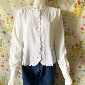 70s 80s DELICATE FLORAL ALL WHITE BUTTON UP
